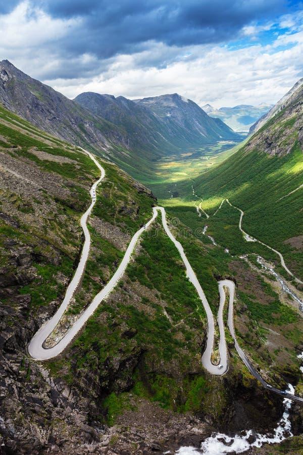 Norwegia błyszczki droga - halna trasa Trollstigen fotografia royalty free