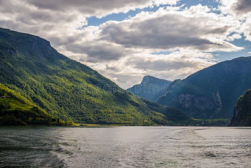 Norwegia. Fjords. Flama zdjęcia royalty free
