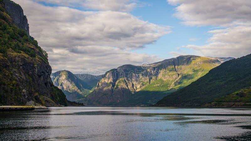 Norwegia. Fjords. Flama obrazy stock