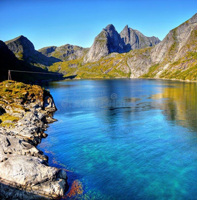Norwegia krajobraz, Niewygładzona linia brzegowa, Lofoten wyspy zdjęcia royalty free