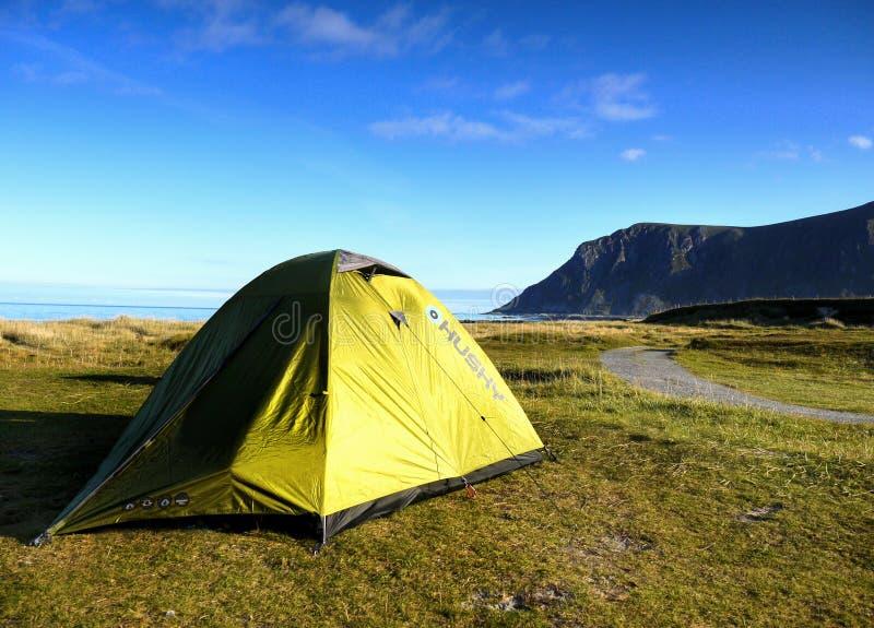Norwegia Lofoten camping, lato krajobraz zdjęcia royalty free