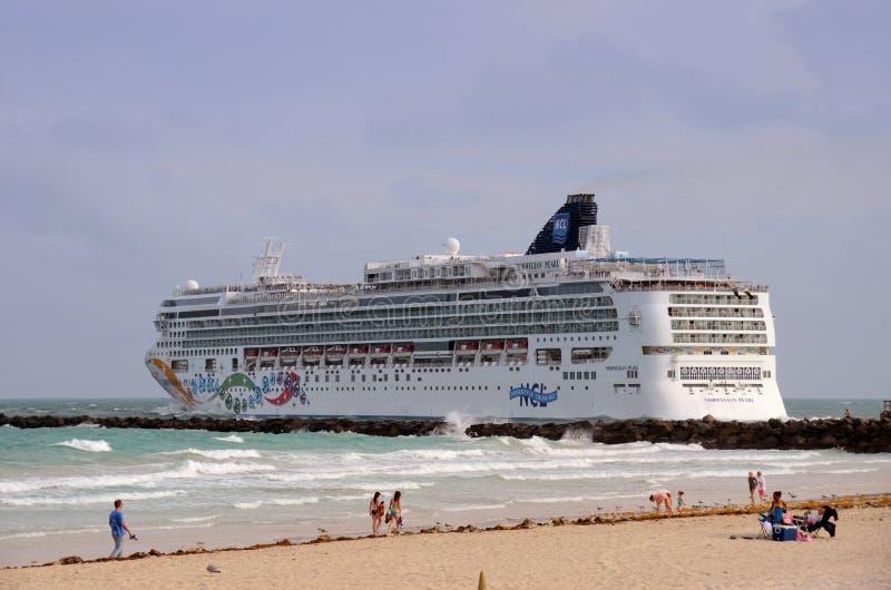 Norwegian Pearl Cruise Ship Editorial Photo Image - Norwegian pearl cruise ship