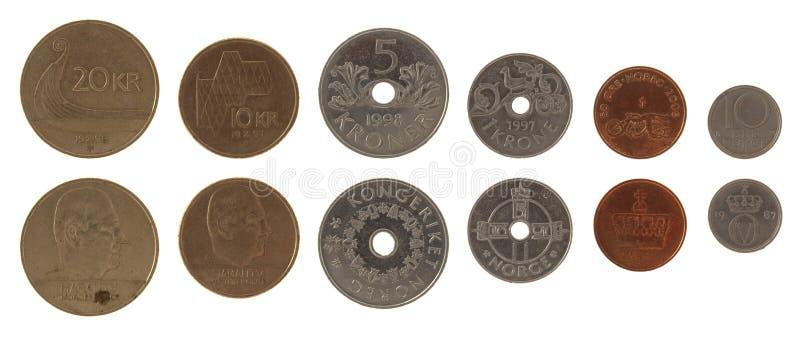 Norwegische Münzen getrennt auf Weiß stockfotos
