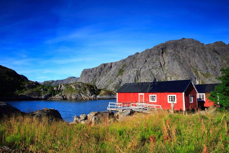 Norwegische rote Häuser lizenzfreies stockbild