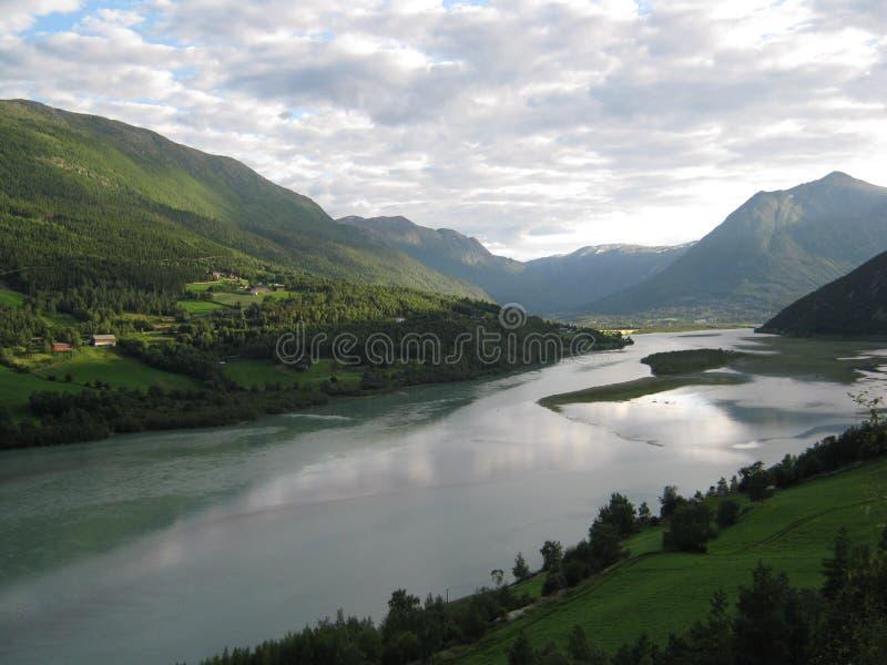 Norwegischer Fluss stockbilder