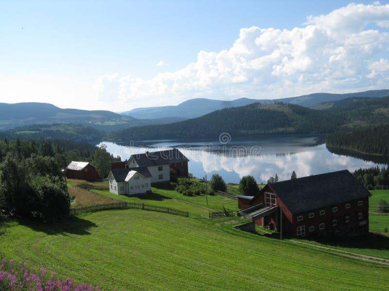 Norwegisches Dorf lizenzfreie stockfotografie