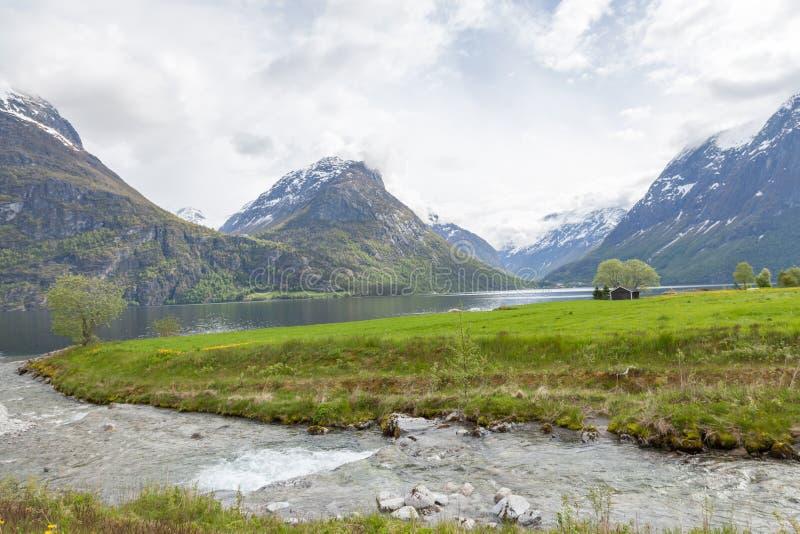 Download Norweski fjord obraz stock. Obraz złożonej z norwegia - 57661571