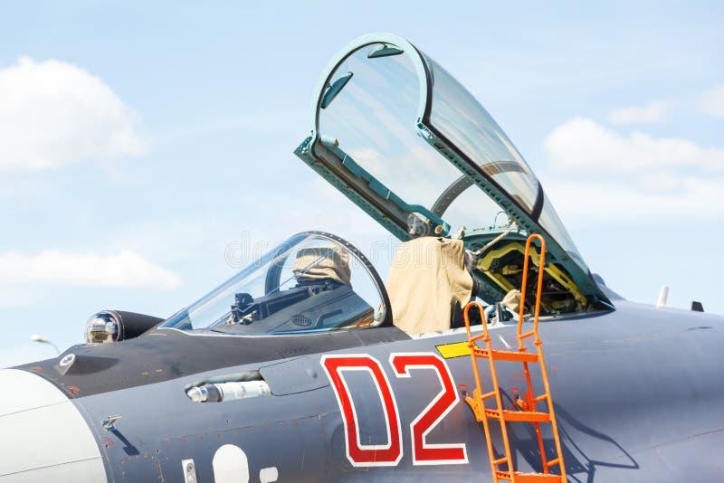 Nosa wojskowego dżetowy samolot, zdjęcia stock