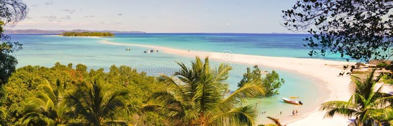 Nosaty Iranja tropikalna plaża w Madagascar - panoramiczny widok fotografia royalty free