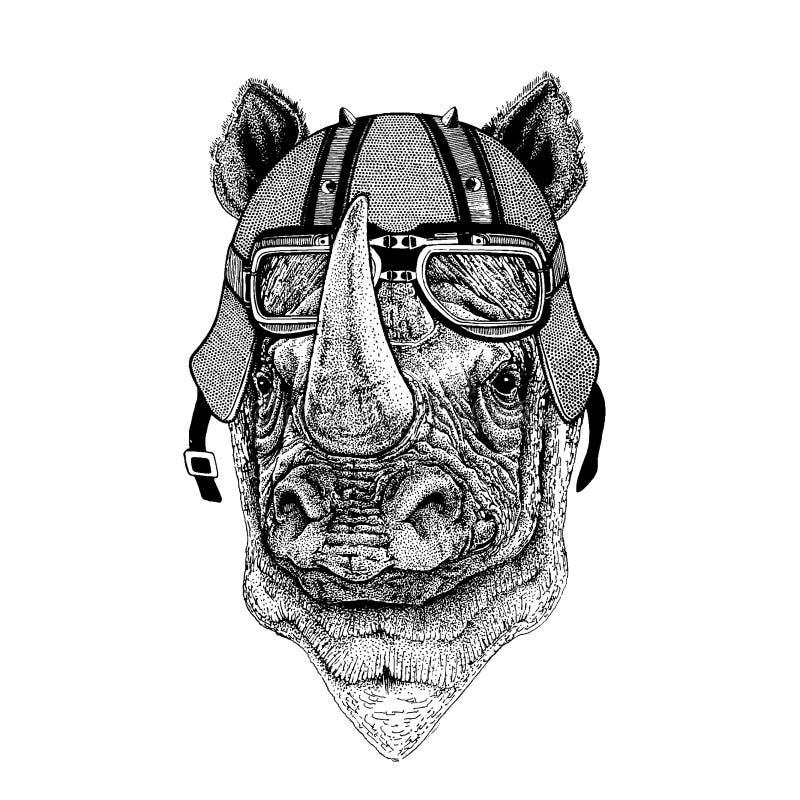 Noshörning noshörning som bär en motorcykel, aero hjälm Utdragen bild för hand för tatueringen, t-skjorta, emblem, emblem, logo,  vektor illustrationer