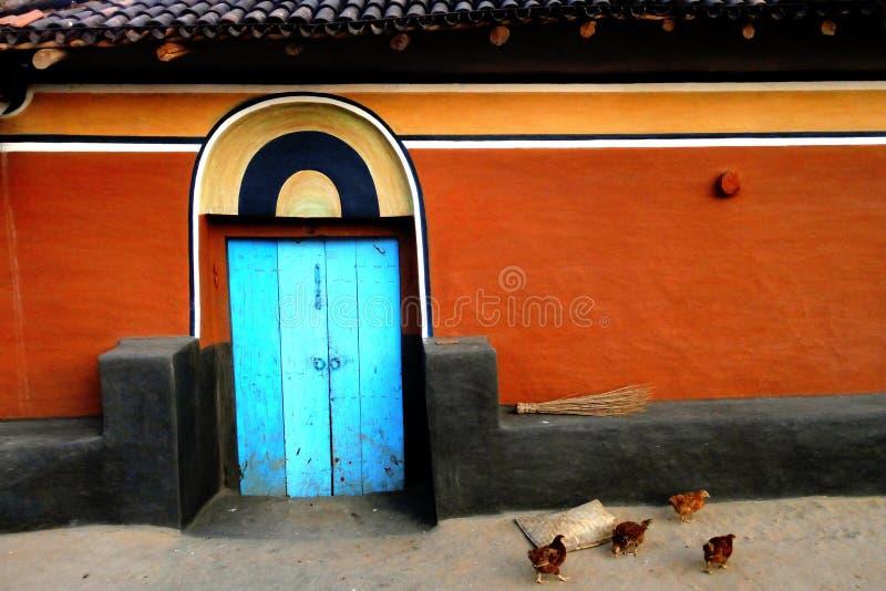 Nossa casa colorida do vilage fotos de stock