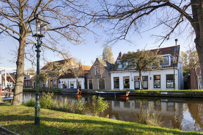 Nostalgia quayside view met oude boten in Schipluiden royalty-vrije stock afbeelding