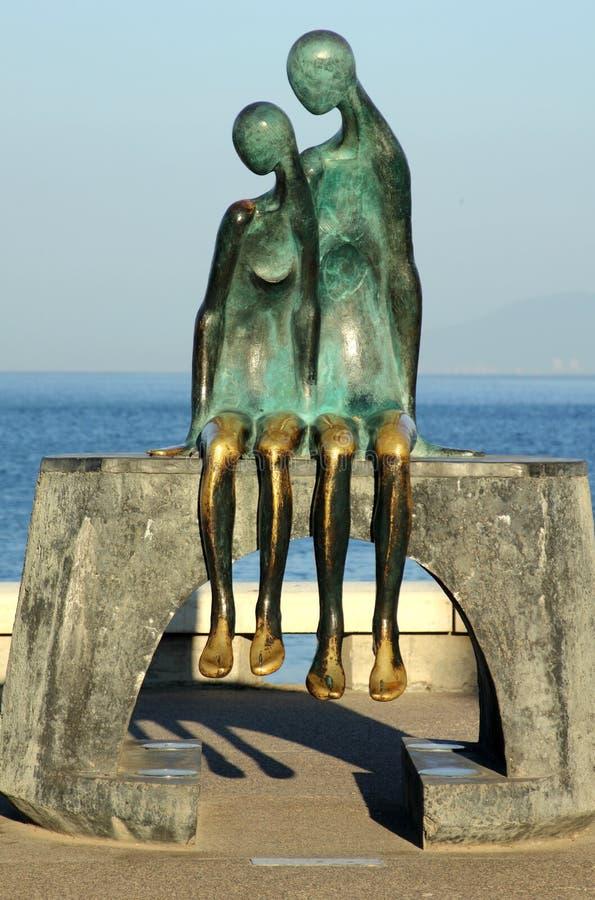 """""""Nostalgie de La """", une sculpture en bronze sur le Malecon dans Puerto Vallarta photos stock"""