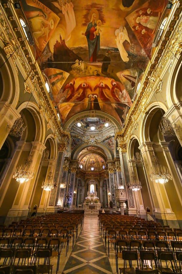Nostra夫人della瓜迪亚教会圣所的内部和天花板  库存图片