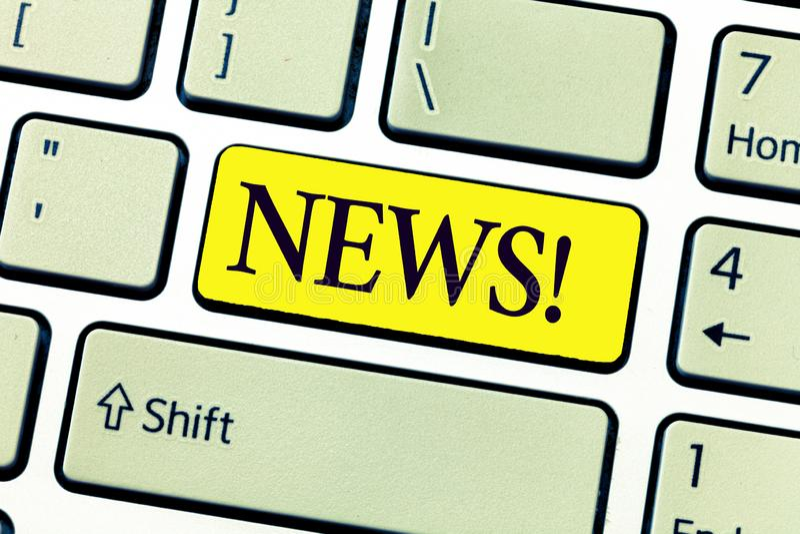 Notícia da escrita do texto da escrita Conceito que significa informação recentemente recebida ou notável sobre ações dos acontec imagens de stock royalty free