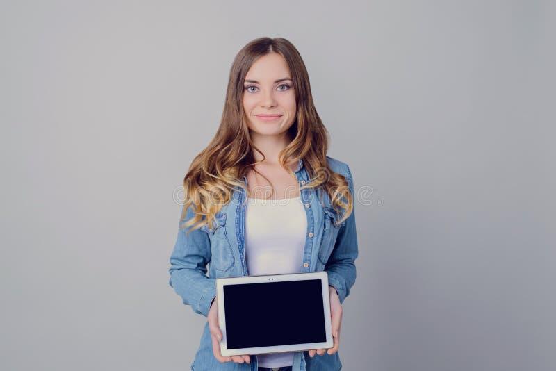 Notícia dos sms da informação da beleza juntar-nós contato-nós conceito à moda da venda do adolescente da pessoa da tecnologia mo imagens de stock royalty free