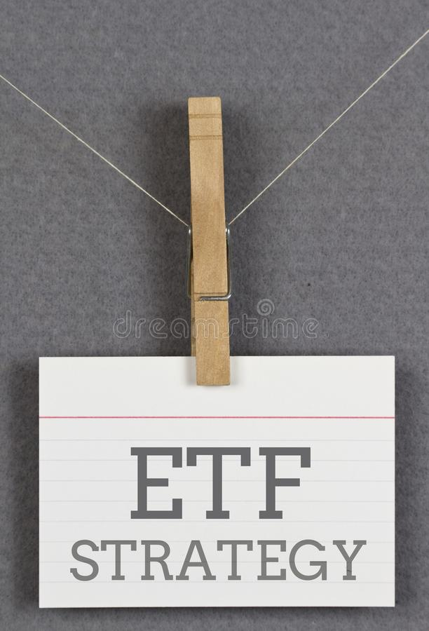 Nota con strategia di ETF fotografia stock