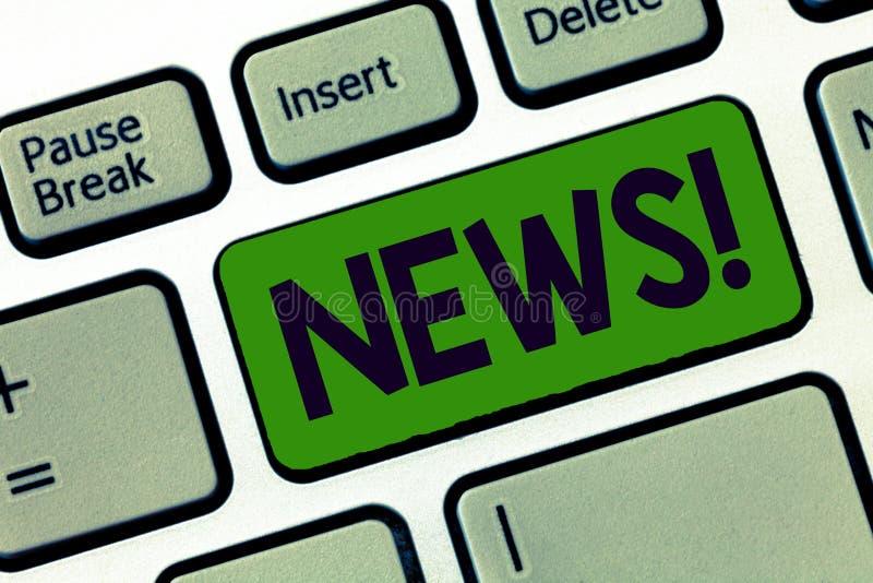 Nota da escrita que mostra a notícia Foto do negócio que apresenta informação recentemente recebida ou notável sobre aconteciment imagens de stock royalty free