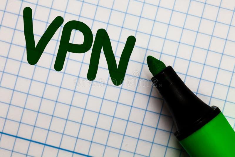 Nota da escrita que mostra Vpn A foto do negócio que apresenta a rede virtual privada fixada através do domínio confidencial prot imagem de stock royalty free