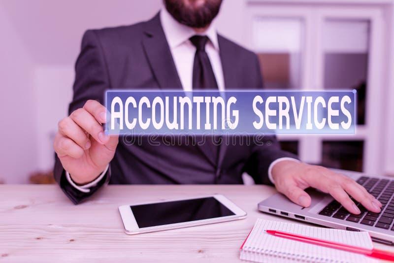 Nota de escritura que muestra Servicios de contabilidad Fotos de negocios que muestran análisis de transacciones financieras de u imagenes de archivo