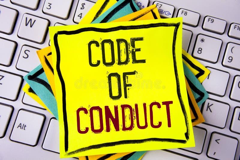 Nota de la escritura que muestra código de conducta La exhibición de la foto del negocio sigue principios y los estándares para l fotografía de archivo