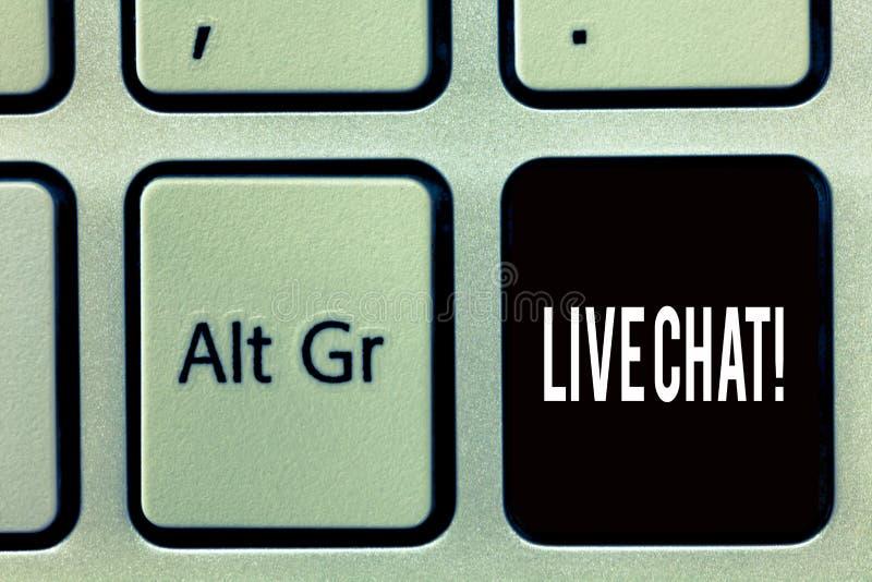 Nota de la escritura que muestra a Live Chat Conversación de exhibición de la foto del negocio sobre la comunicación móvil de las fotos de archivo