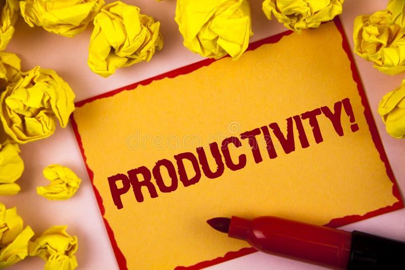 Nota de la escritura que muestra a productividad llamada de motivación Foto del negocio que muestra el gran decreto judicial del  imagenes de archivo