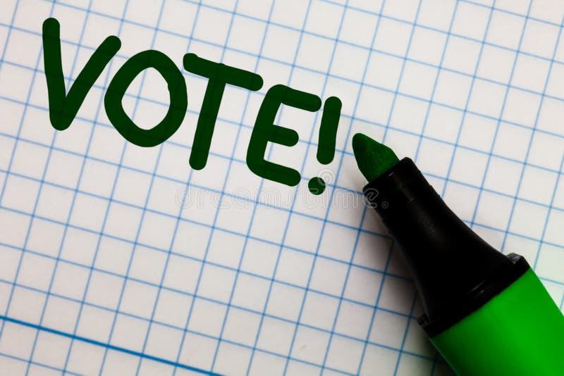 Nota de la escritura que muestra a voto llamada de motivación Foto del negocio que muestra la decisión formalizada sobre las mate foto de archivo libre de regalías