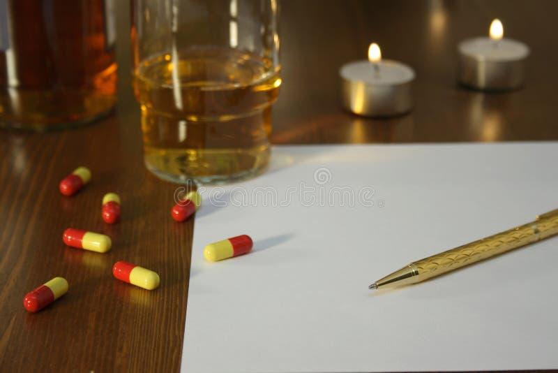 Nota de suicidio fotografía de archivo libre de regalías