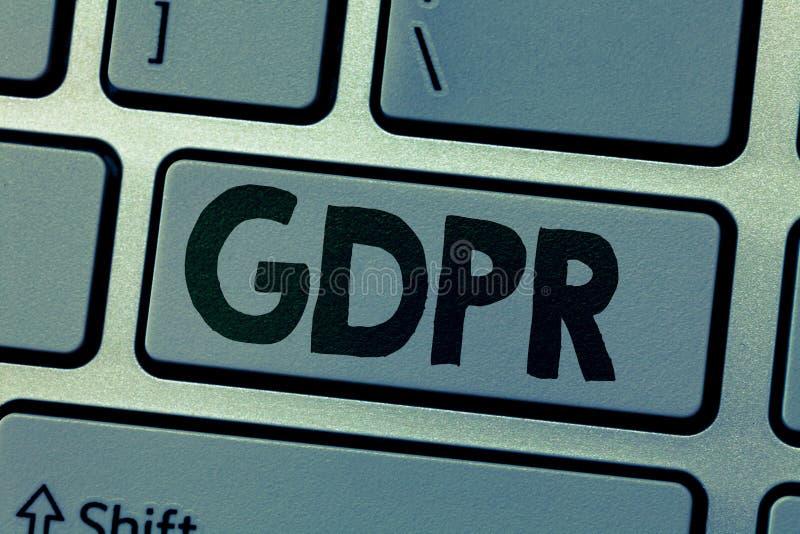 Nota di scrittura che mostra GDPR Foto di affari che montra regolamento nella legge di UE sul quadro giuridico di segretezza e di fotografia stock libera da diritti