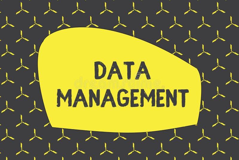 Nota di scrittura che mostra gestione dei dati Foto di affari che montra la pratica dei dati d'organizzazione e di mantenimento illustrazione di stock