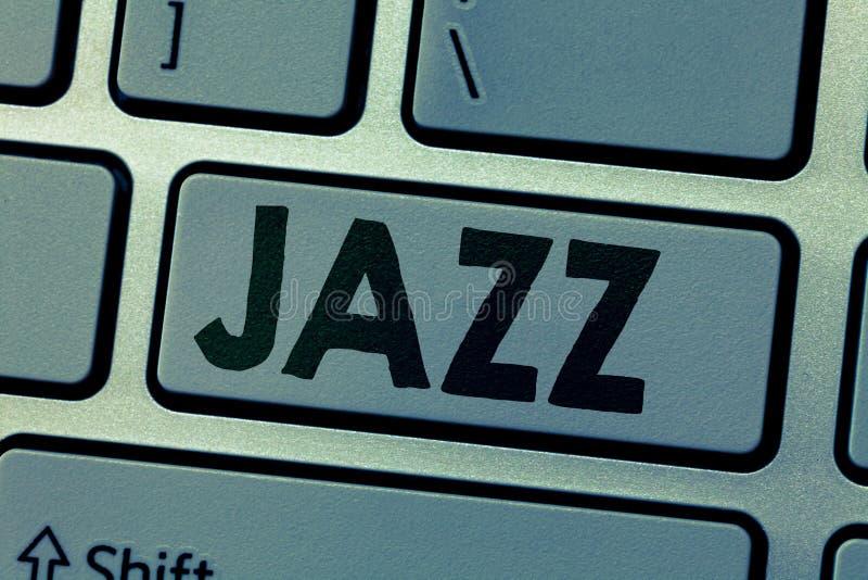 Nota di scrittura che mostra jazz Foto di affari che montra ritmo valido facendo uso dell'ottone e dei legni per giocare immagine stock libera da diritti