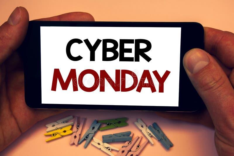 Nota di scrittura che mostra lunedì cyber Foto di affari che montrano le vendite speciali dopo il commercio elettronico online di fotografia stock