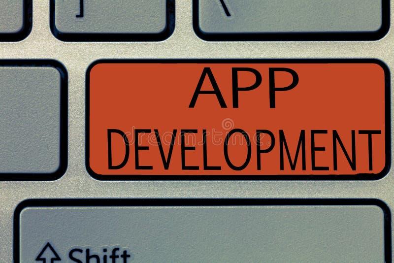 Nota di scrittura che mostra sviluppo di App Foto di affari che montra i servizi di sviluppo per le esperienze impressionanti di  immagini stock
