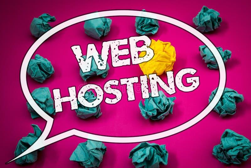 Nota di scrittura che mostra web hosting Le foto di affari che montrano il server assistono che permette che qualcuno renda il si immagine stock libera da diritti