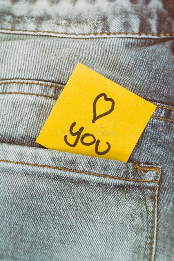 Nota do memorando eu te amo, bolso das calças fotos de stock