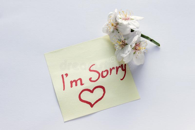Nota manuscrita - ` m de I triste Pequeñas flores blancas delicadas de a imágenes de archivo libres de regalías