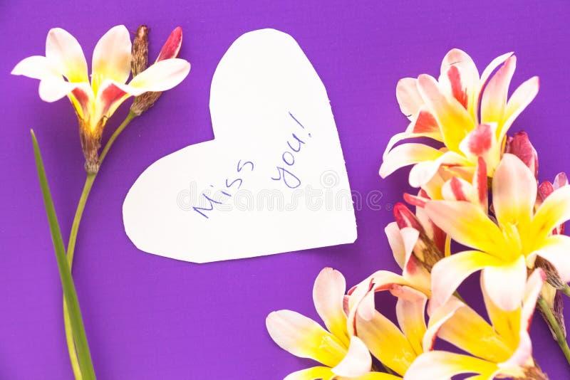 Nota na forma do coração com palavras imagens de stock royalty free