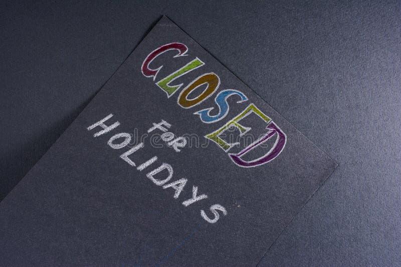 Nota para fechado em feriados foto de stock