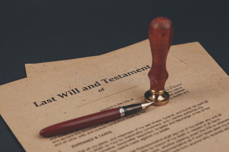 Notar ` s allgemeiner Stift und Stempel auf Testament und Letztem werden es tun Notar stockfoto