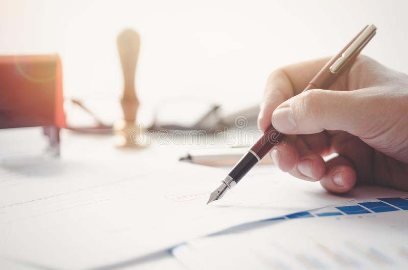 Notaris of procureurstekens wettelijk contract stock fotografie