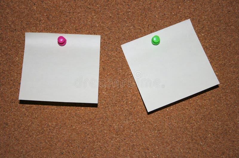 Notas de post-it en blanco fotografía de archivo