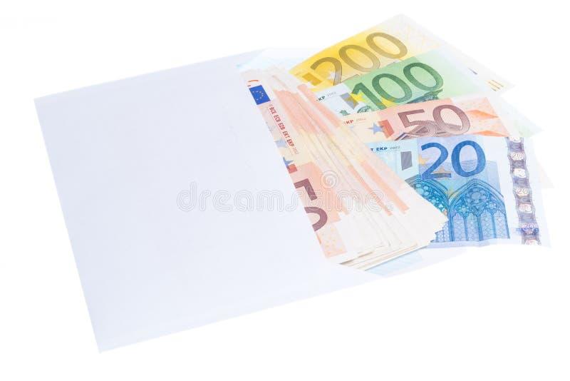 Notas do Euro no envelope imagens de stock