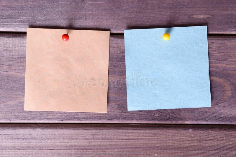 Notas, etiquetas engomadas fotos de archivo