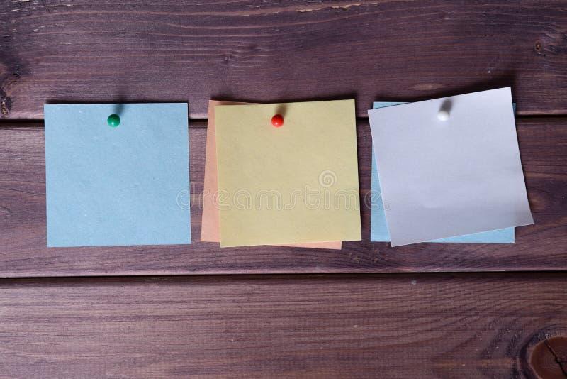 Notas, etiquetas engomadas foto de archivo