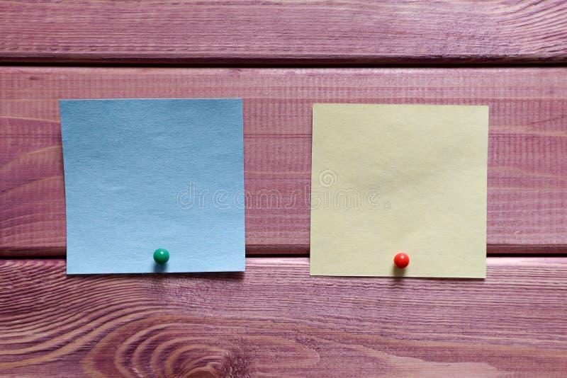 Notas, etiquetas engomadas fotos de archivo libres de regalías