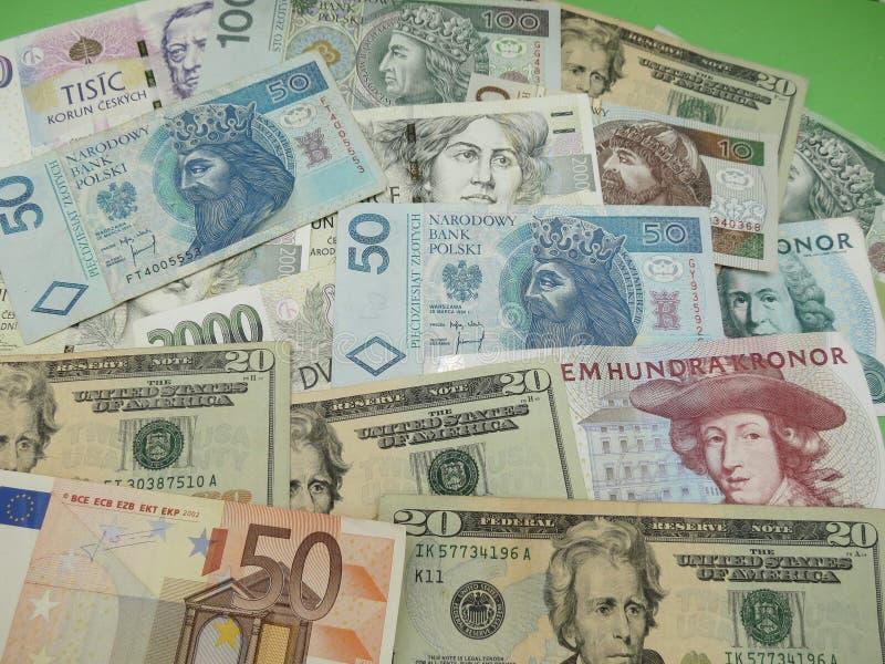 Notas misturadas da moeda imagem de stock