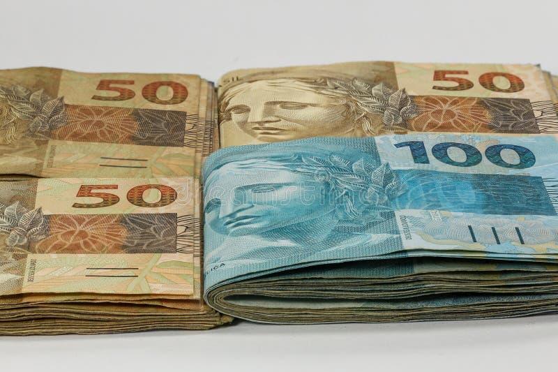 100 notas reales del dinero del Brasil imagen de archivo