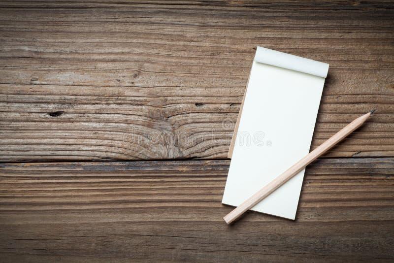 Notatnik i ołówek zdjęcia stock