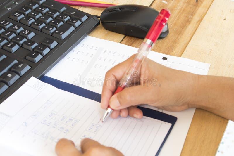 Notatnika planista, sprawozdanie finansowe dla biznesowej pracy zdjęcie stock